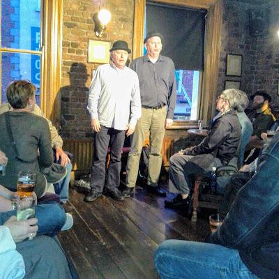 Best Dublin Guided Walks: Dublin Literary Pub Crawl