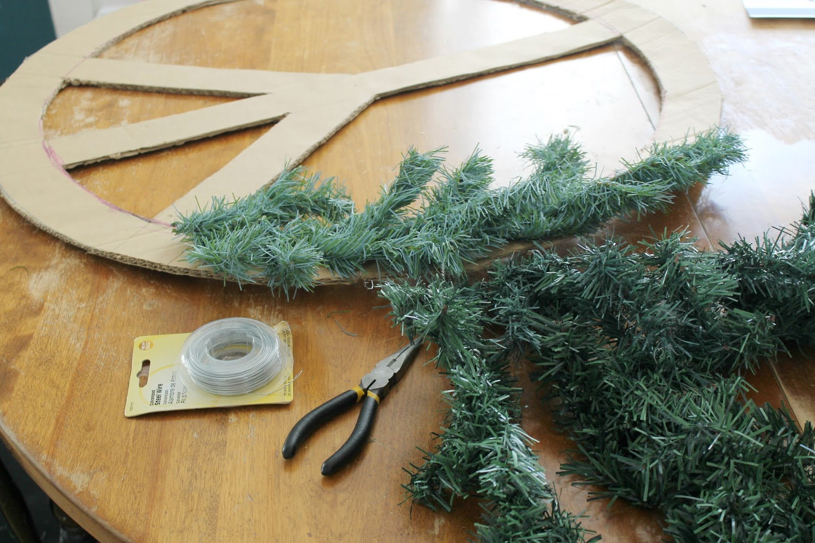 how to cut a lighted christmas garland into pieces
