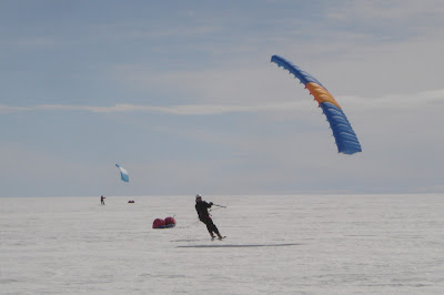 Wings over Greenland South-North kite-ski crossing 2008