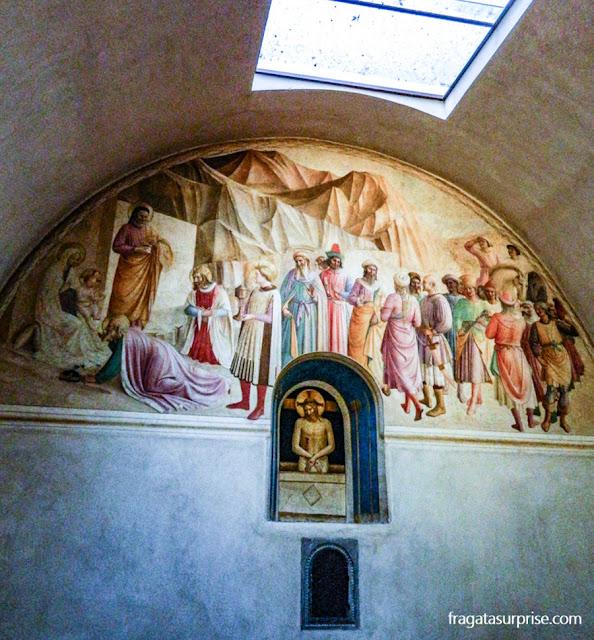 A Adoração dos Magos, afresco de Benozzo Gozzoli, na cela do Duque Cosimo de Medici, no Mosteiro de San Marco, em Florença