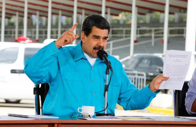¿Puede el gobierno refinanciar o reestructurar la deuda pública venezolana?;