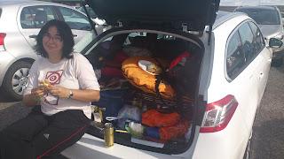 Comiendo en el coche