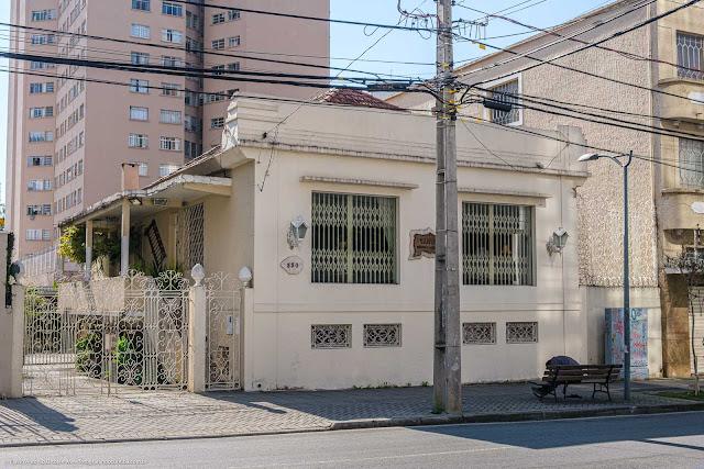 Casa na Al. Dr. Carlos de Carvalho