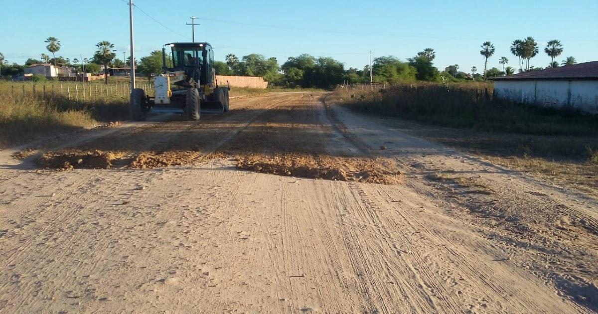 Resultado de imagem para Trabalho de recuperação de estradas vicinais é iniciado em Felipe Guerra