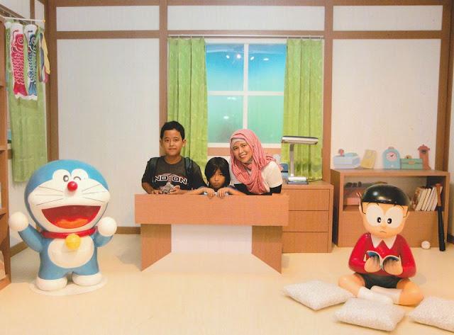 Chi bersama Keke dan Naima