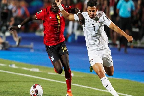 مصر تنتصر بإداء مخيب للظن امام اوغندا 2-0