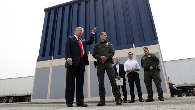 Trump amenaza con el cierre del Gobierno si los demócratas votan contra el presupuesto para el muro