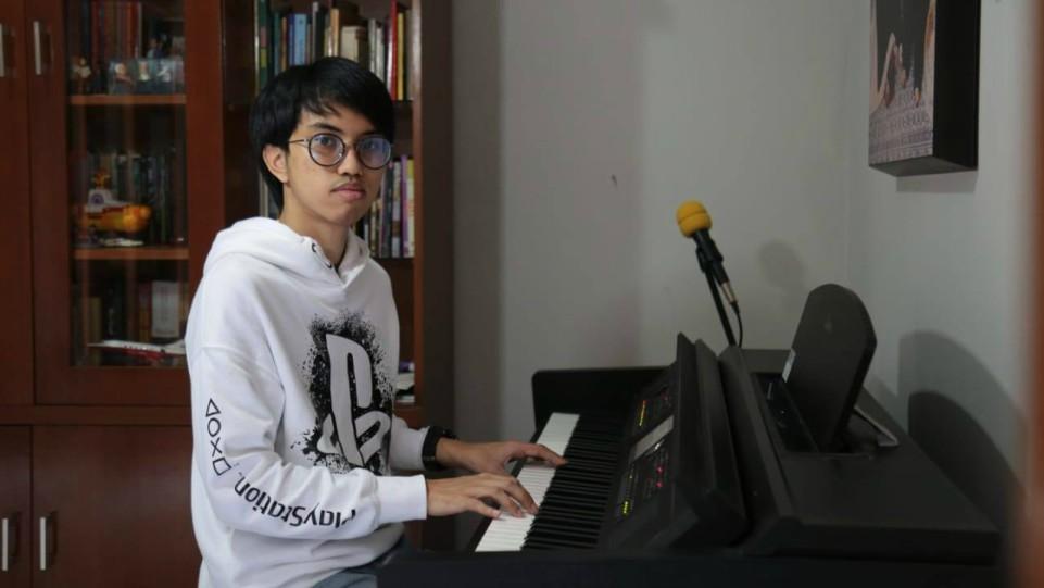 Revemayuzumi, Musisi Muda Indonesia.