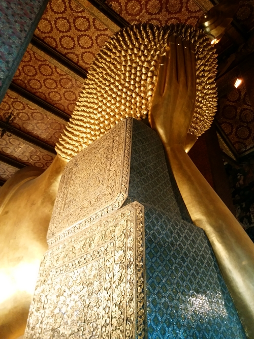 Wat Poの寝釈迦像 Reclining Buddha (寝仏、涅槃像)