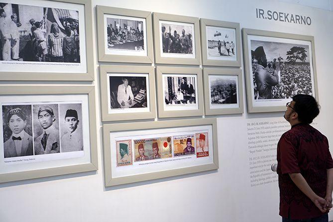 Aneka lukisan tentang IR Soekarno di Museum Istana Yogyakarta