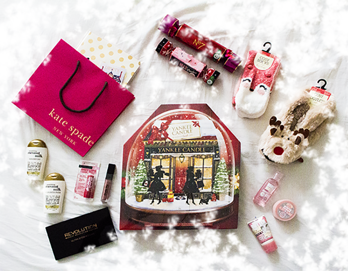 Giveaway, concours, blog, kate spade, yankee candle, calendar advent, primark, noël, christmas, babylips noël, OGX, boots, craquers, soap & gloy, N°7, makeup revolution, sleek, birthday suit sleek, matte me,