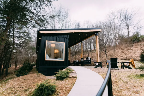 The Lily Pad Airbnb - Small Shipping Container Home, Ohio 2