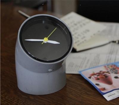 Jam meja unik dari pipa PVC (paralon)