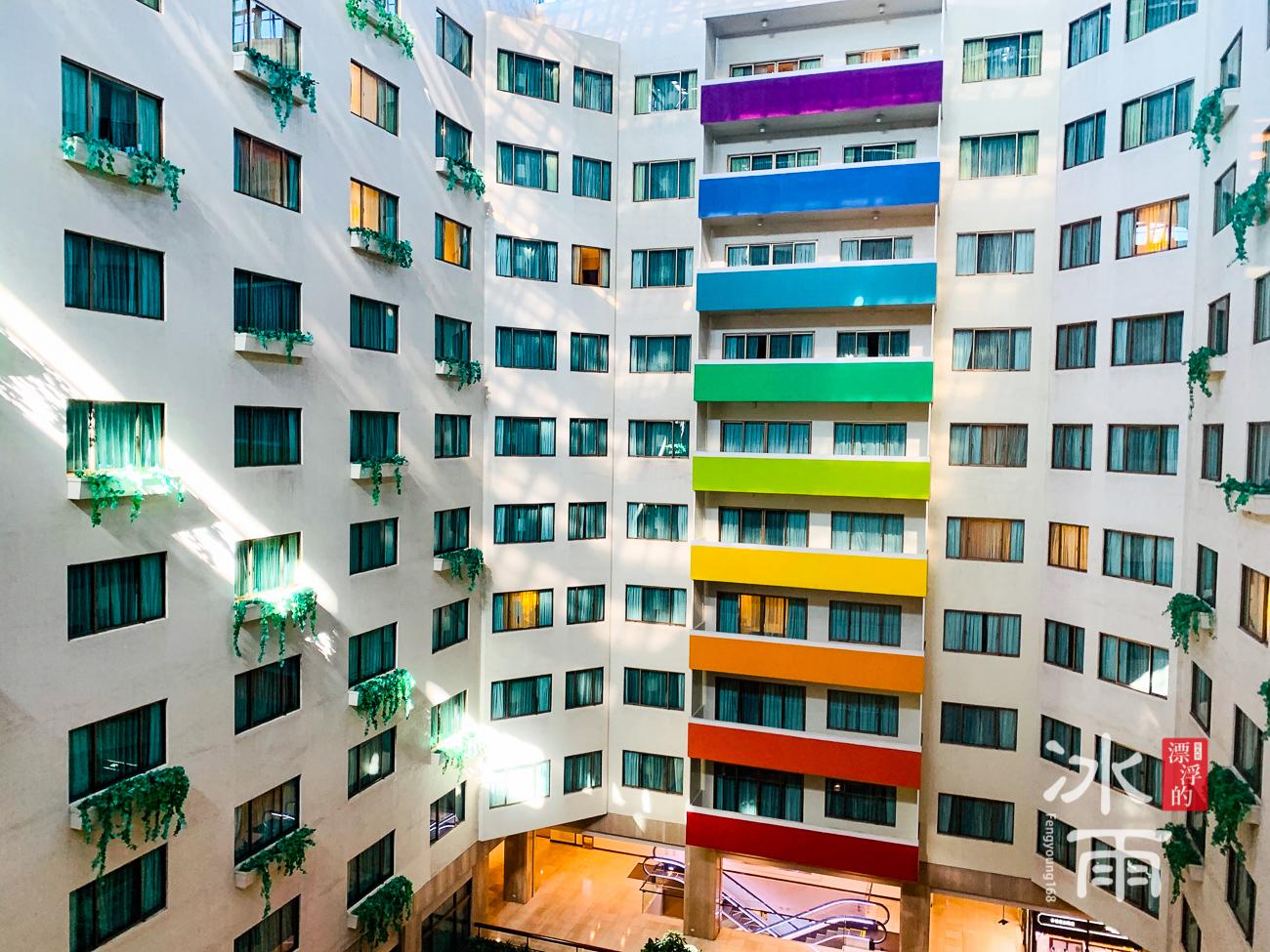 福華大飯店|彩虹牆