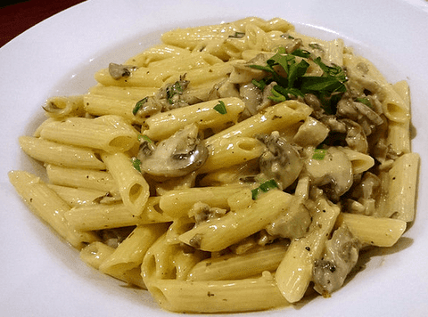 Penne chicken and mushroom pasta