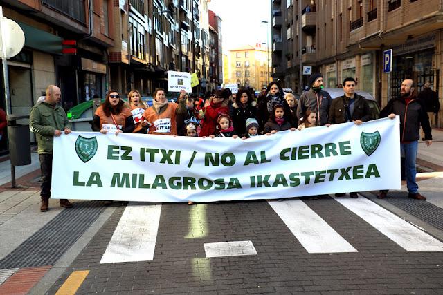 Manifestación de las familias y trabajadores de La Milagrosa