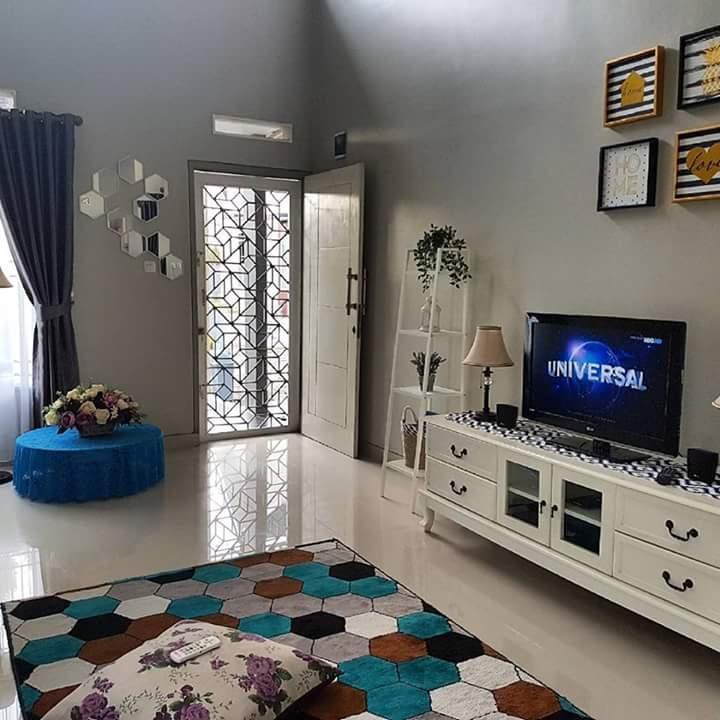 Ruang keluarga rumah minimalis menyenangkan