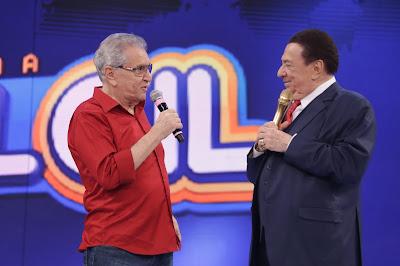 Carlos Alberto com Raul Gil (Crédito: Rodrigo Belentani)