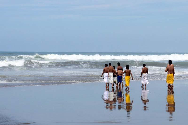 Aktivitas di Pantai Petitenget