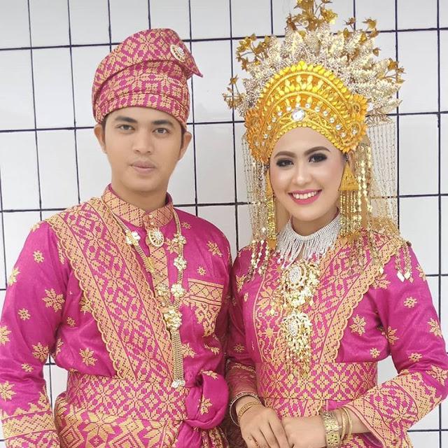 Pakaian Adat Provinsi Riau