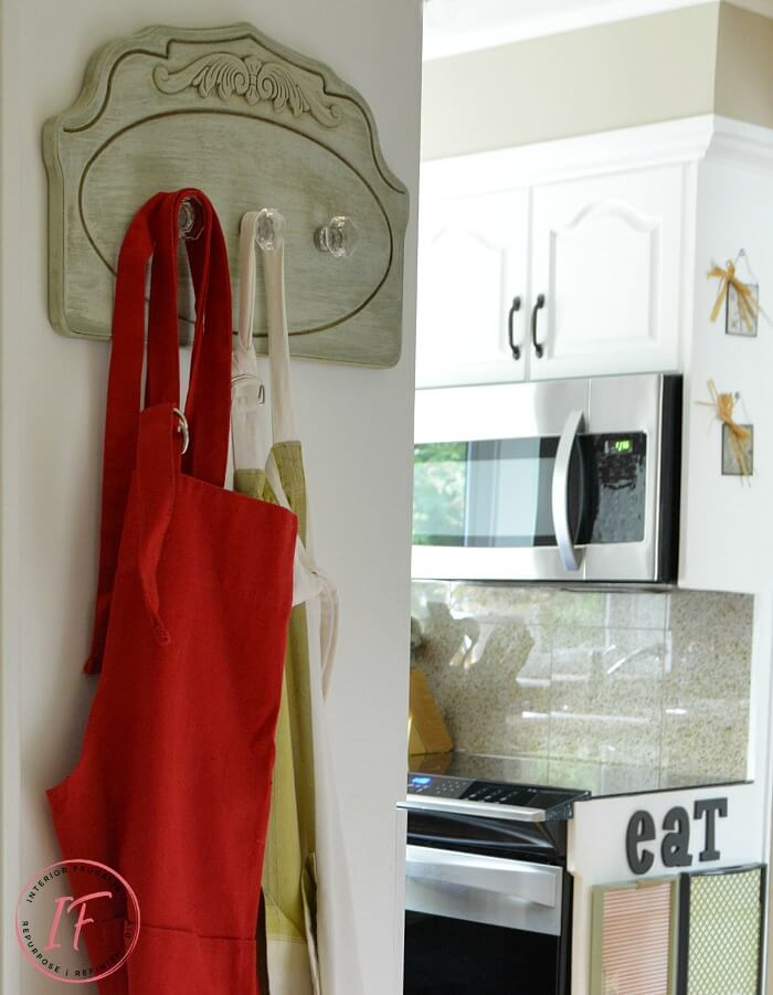 DIY Kitchen Apron Holder With Glass Hooks