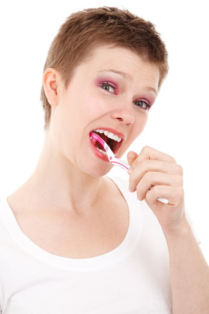 Teeth Whitening, Yellow Teeth, Baking Soda For Teeth Whitening, Baking Soda Teeth Whitening, Teeth Whitening With Baking Soda, How To Get Rid Of Yellow Teeth, How To Use Baking Soda For Teeth Whitening, Is Baking Soda Good For Teeth Whitening, How To Whiten Teeth With Baking Soda, Get Rid Of Yellow Teeth With Baking Soda