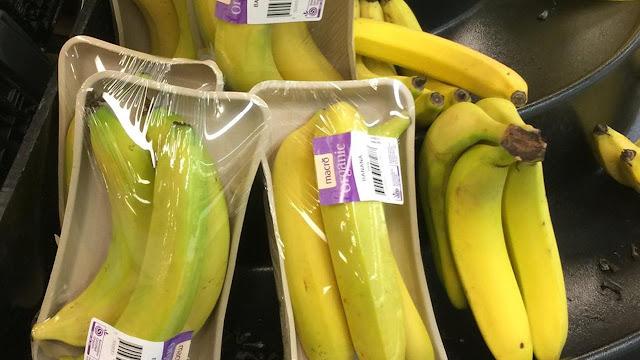 Gara-Gara Pisang Dibungkus Plastik, Supermarket Ini Banjir Kritikan