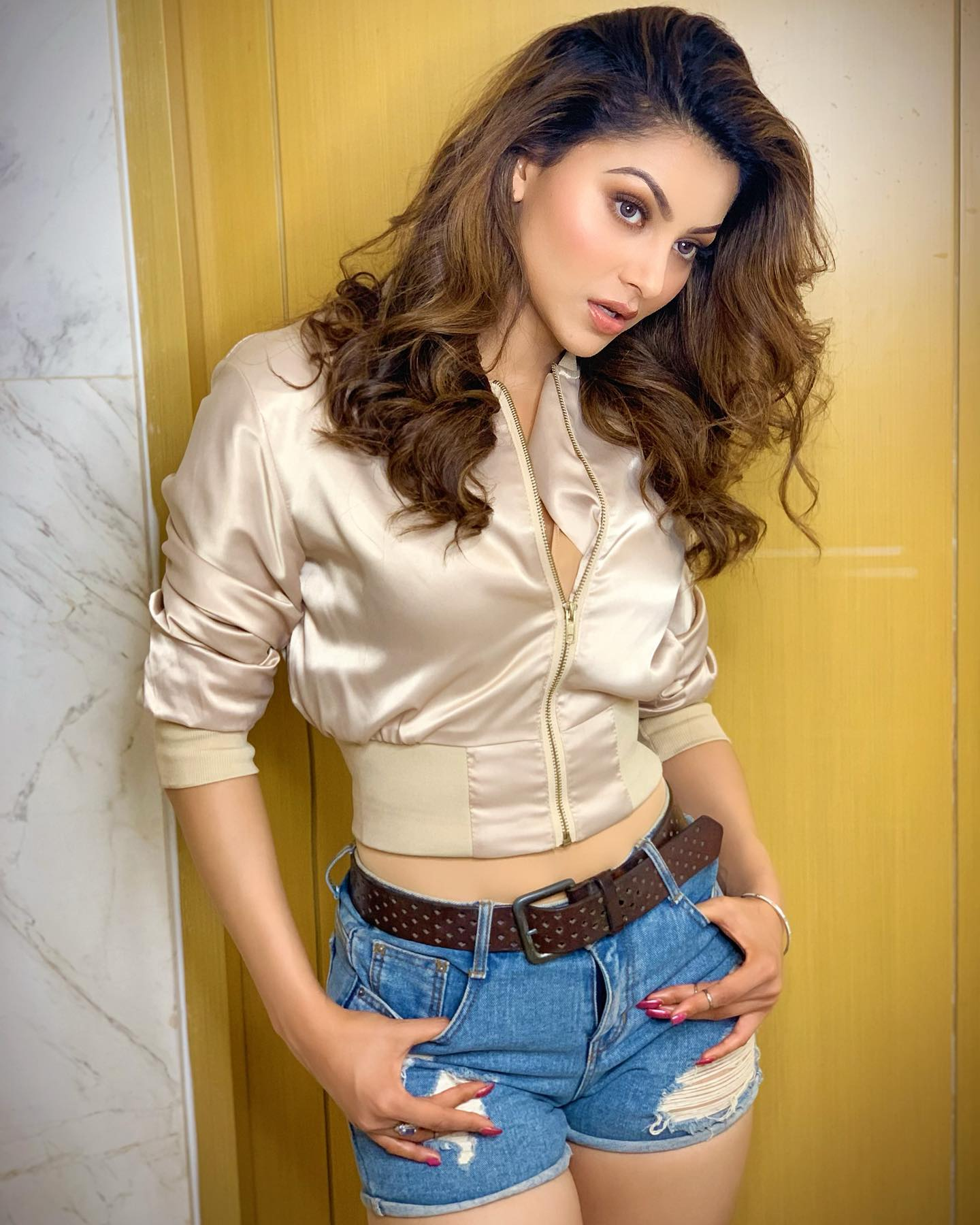 Urvashi Rautela Photos & Images Hd Download | Urvashi Rautela Wallpapers Hd Download