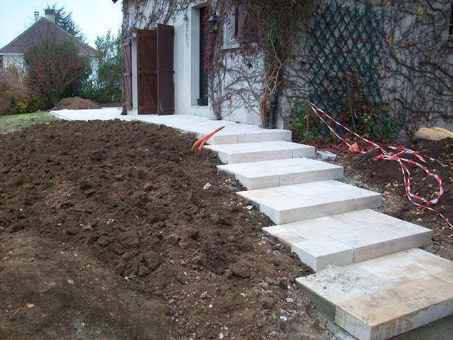amenagement paysager terrasse et escalier. Black Bedroom Furniture Sets. Home Design Ideas