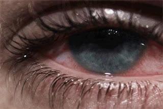 صور دموع وعيون حمر , صور عين تبكي وحمرا من البكاء