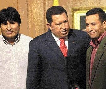 Foto de Ollanta Humala feliz junto a Evo Morales y Hugo Chávez