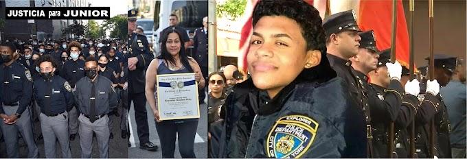 Tres años después del crimen brutal Junior es ascendido póstumamente a jefe de los Exploradores del NYPD