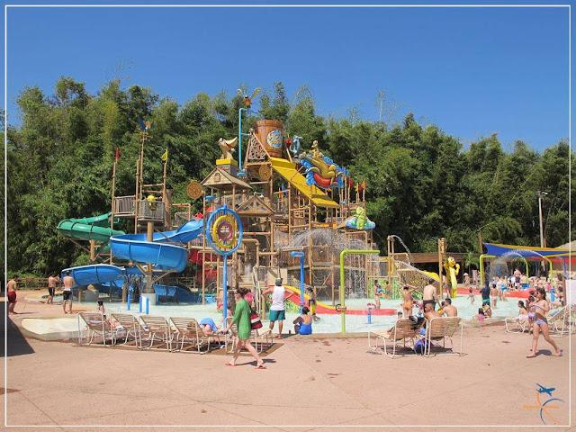 Parque infantil no Hot Park
