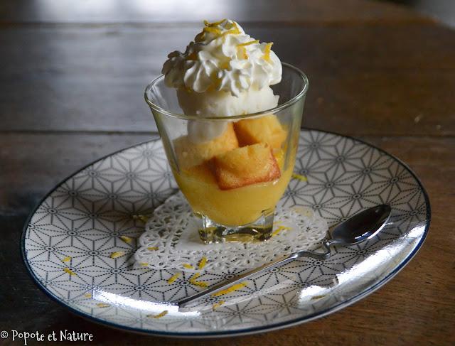 Verrines gourmandes au lemon curd, limoncello, mini quatre quart et glace citron © Popote et Nature