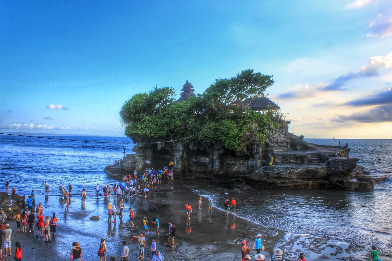 Tempat wisata di Bali Pura Tanah Lot