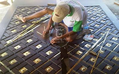 Pengrajin Pintu Masjid