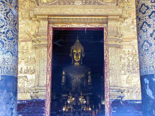 buddha statue luang prabang laos