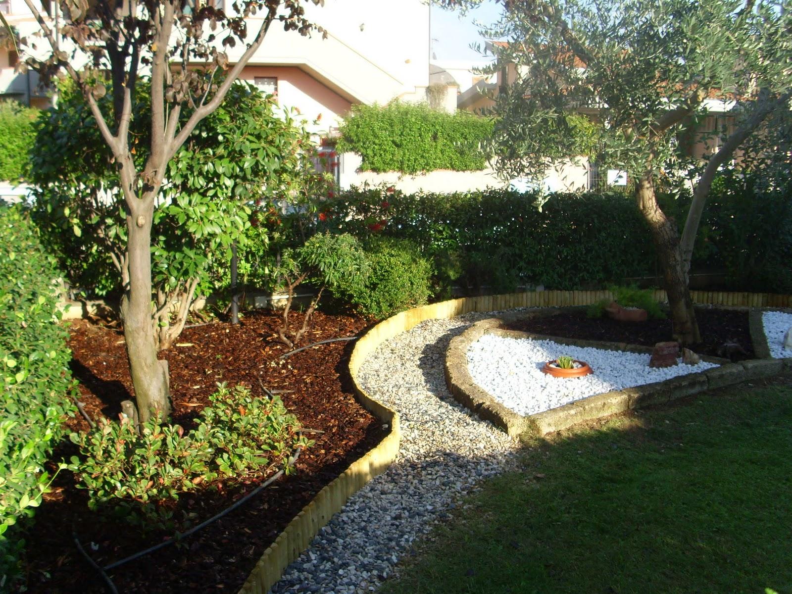 I giardini di carlo e letizia giardino di michela e for Aiuole in sassi