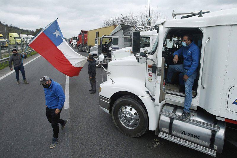 Manifestante muere atropellado en la Ruta 5 en medio del paro de camioneros
