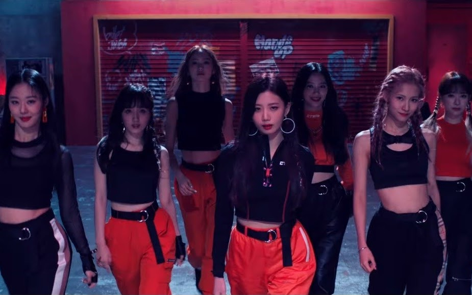 Cherry Bullet Looks Like a Squad Member on The 2nd MV Teaser of 'Hands Up'