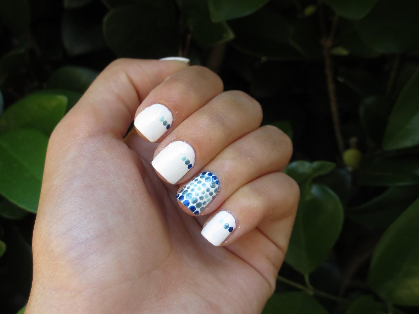 Queen Of Polish: Gradient Dot Nail Design