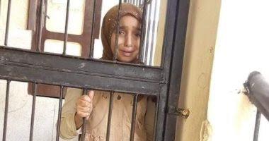 سمر عبد الرحمن تهاجم صحفيين ومسئولين اتهموها بأنها اخوان عقب تغطيتها للأحداث الطالبة المحبوسة بكفر الشيخ