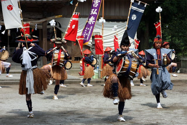 Yoshihiro-gaku (drum dance) at Gakuniwahachimansha Shrine, Kunisaki City, Oita