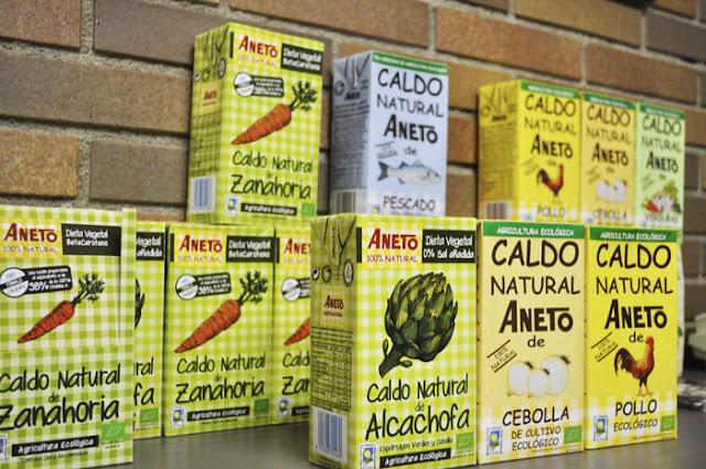 Variedades ecológicas alcachofa, cebolla, zanahoria, pollo; y pescado