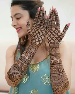 Double_hand_flowers_with_net_mehndi_design_for_Eid_in_2020