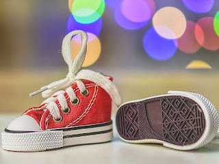 cara-mengatasi-sepatu-kebesaran.jpg