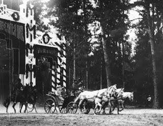 Η είσοδος της τσαρικής άμαξας στην Περιφέρεια Ταμπώφ.