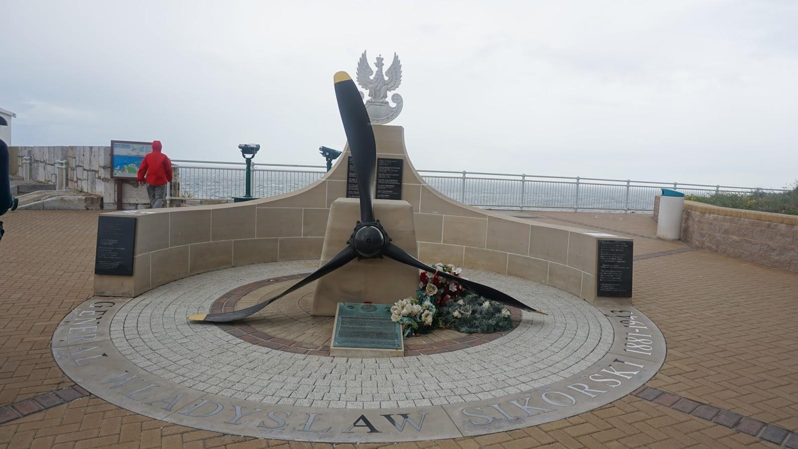 Pomnik gen. Sikorskiego na Gibraltarze, Gibraltar, Sikorski