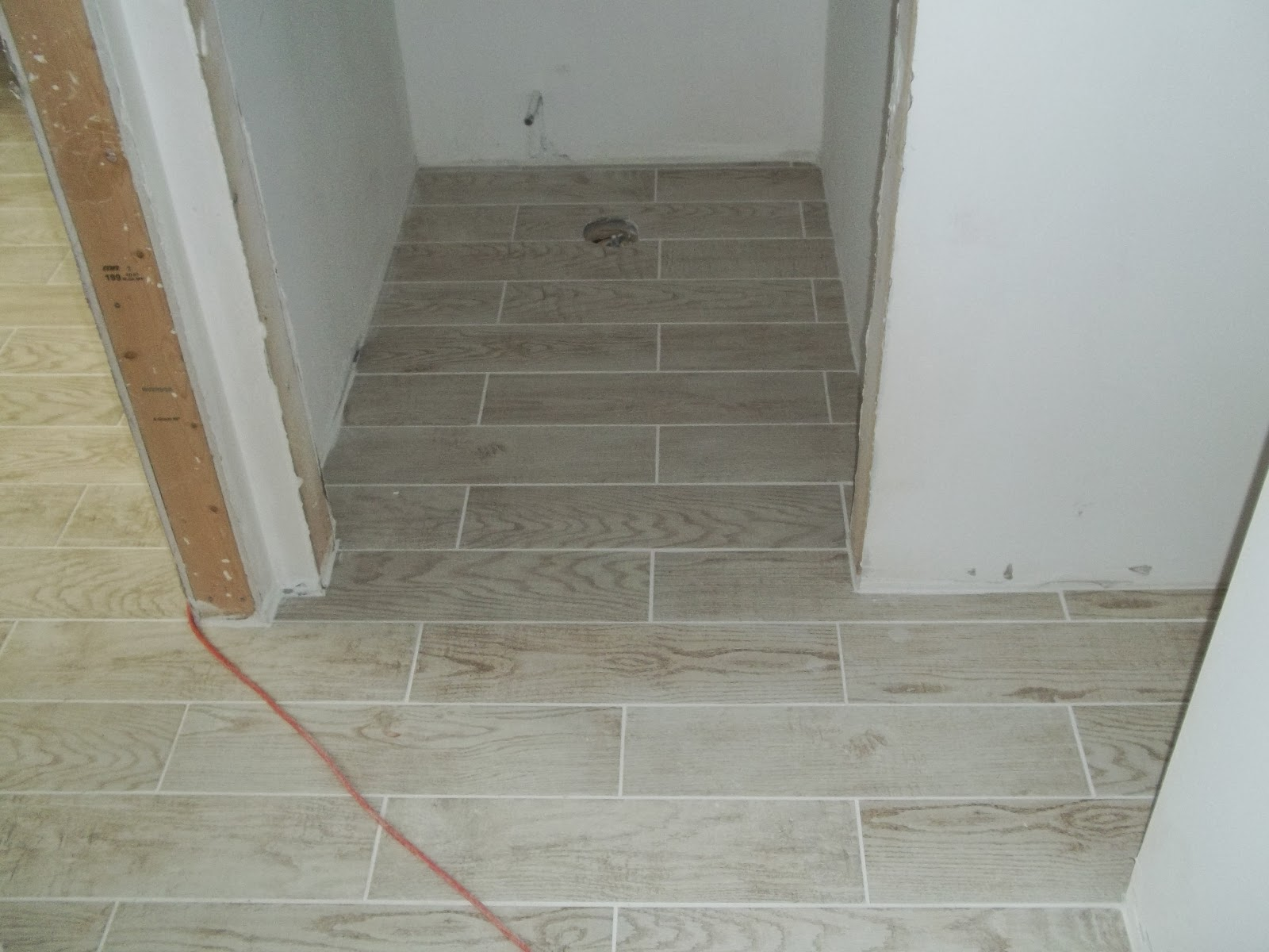 Diy consumer tile installation and repair blog broke joint floor tile using a 316 grout joint and sanded grout dailygadgetfo Image collections