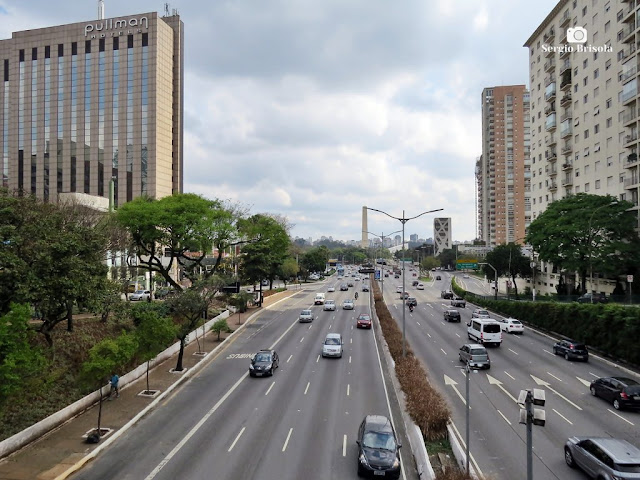 Vista de trecho da Avenida 23 de Maio na região da Vila Mariana - São Paulo